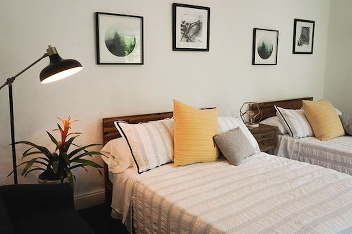 Cozy Suite w/ two Queen Beds in heart of Miami