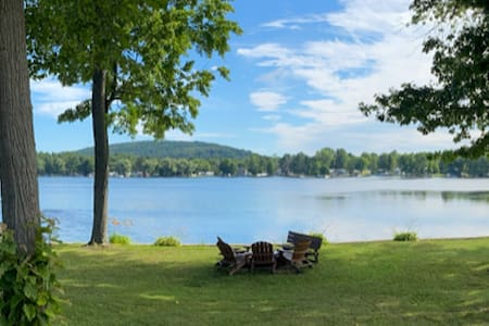 Riesling Retreat - Waterfront Cottage, Lamoka Lake