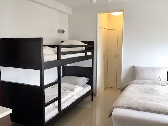 Awesome studio, newly refurbished, up to 4 guests - Hong Kong - Pis