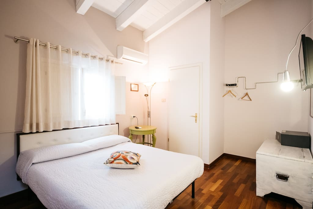 Artistic And Unique Rooms In The Heart Of Palermo