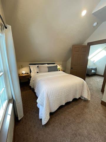 Upstairs 2nd Queen Bedroom