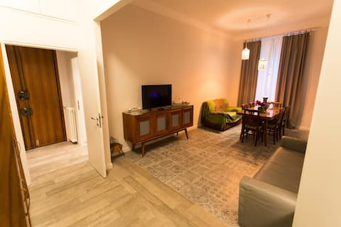 Quiet & Safe Flat in the Heart of Rome-Metro, A/C-