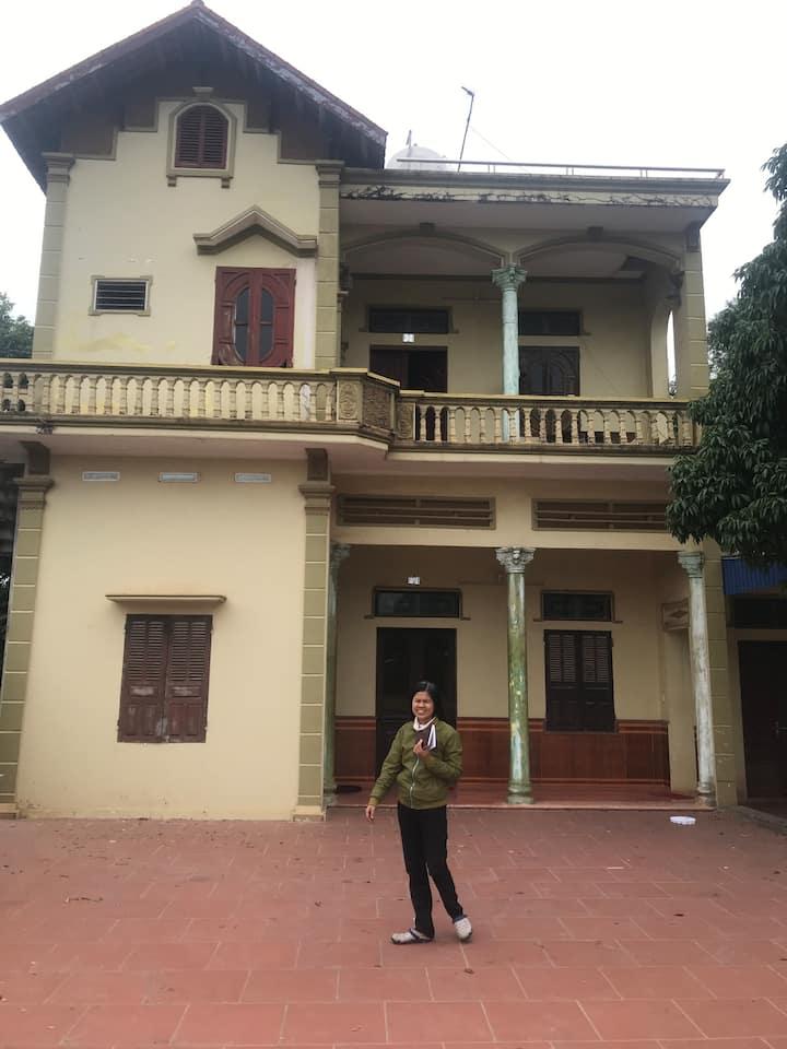 Khach san Hoang Le cho thue...