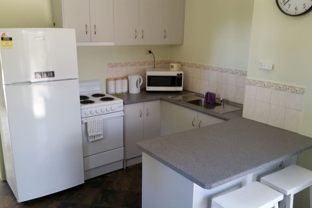 Recently installed new modern and well equipped kitchen.