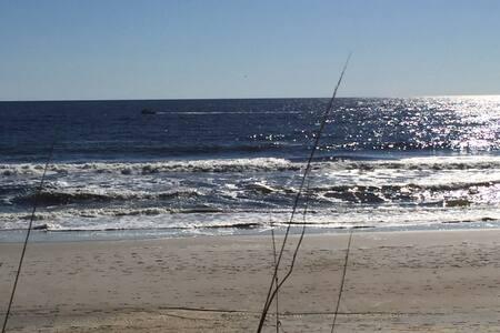 White Caps Beach Front - Carolina Beach