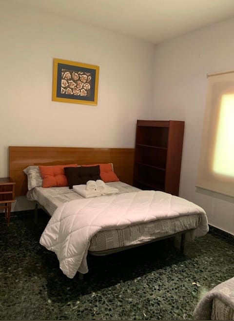 Habitación con baño,Sierra Nevada,Granada-H. Vega