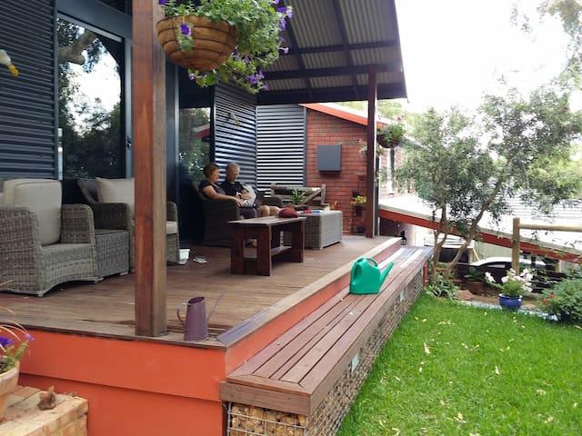 Wisteria Rest - Kalamunda - Huis