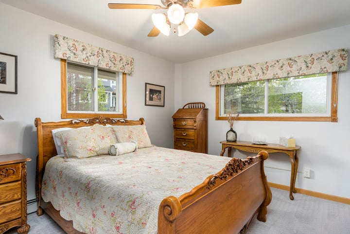 Two bed suite in cozy Bed and Breakfast