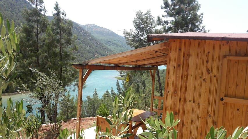 Dar l'eau Vive Guesthouse - Azilal - Chatka w górach