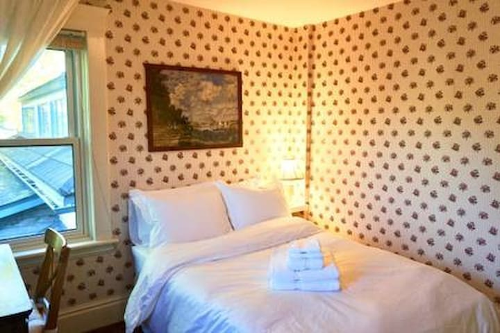 Double Bedroom Comfort - Guest House on Caledonia