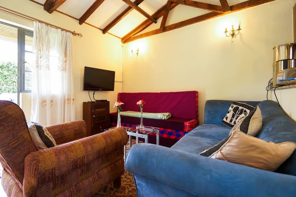 LH Annexe 1 - Lounge