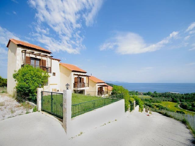 Maisonette /w exceptional sea view - Koumitsa - Casa