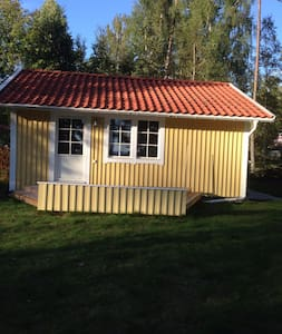 Guesthouse / summer cabin close to the lake Vänern