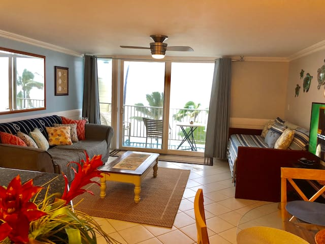Oceanfront Condo on the Windward Side