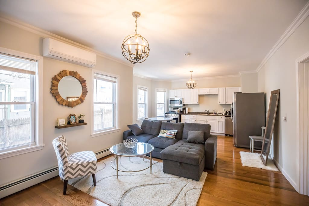 Location Beautiful 3 Bedroom Apt Free Parking Apartments For Rent In Boston Massachusetts