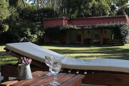 Encantadora Casa Quinta con pileta quincho y fogón