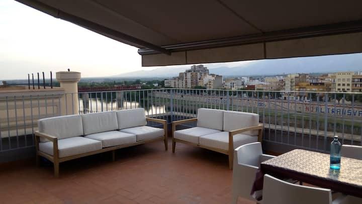"Penthouse ""la Llotja"". Quiet in downtown Tortosa"