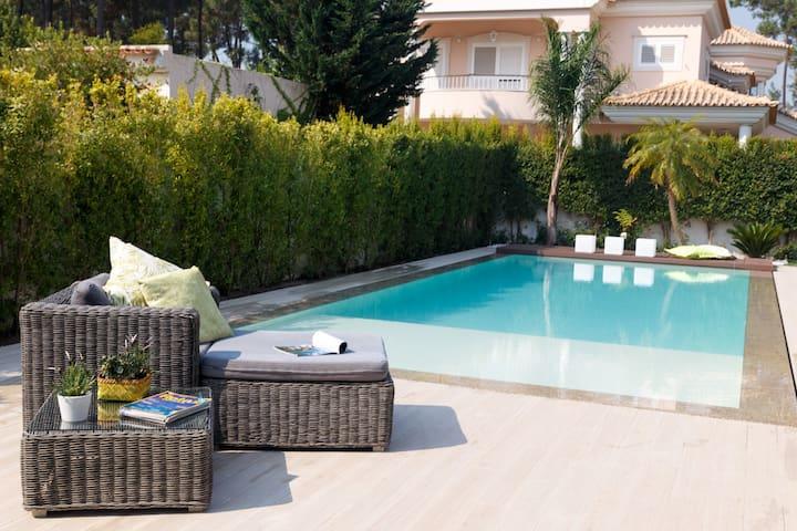 Charming Country House near Lisbon and Beach