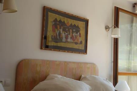 PRECIOSO BAJO CON JARDIN 100M PLAYA - BARRO (LLANES) - Lägenhet