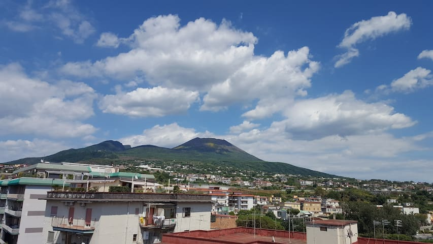 Apartment & terrace with stunning panoramic views - Ercolano - Pis