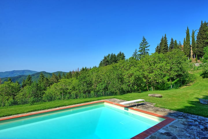 Villa Rassinata - Holiday Rental with swimming pool in Cortona, Tuscany.