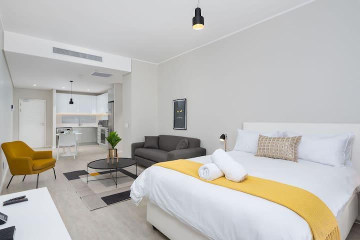 Axis 209 - Studio Apartment