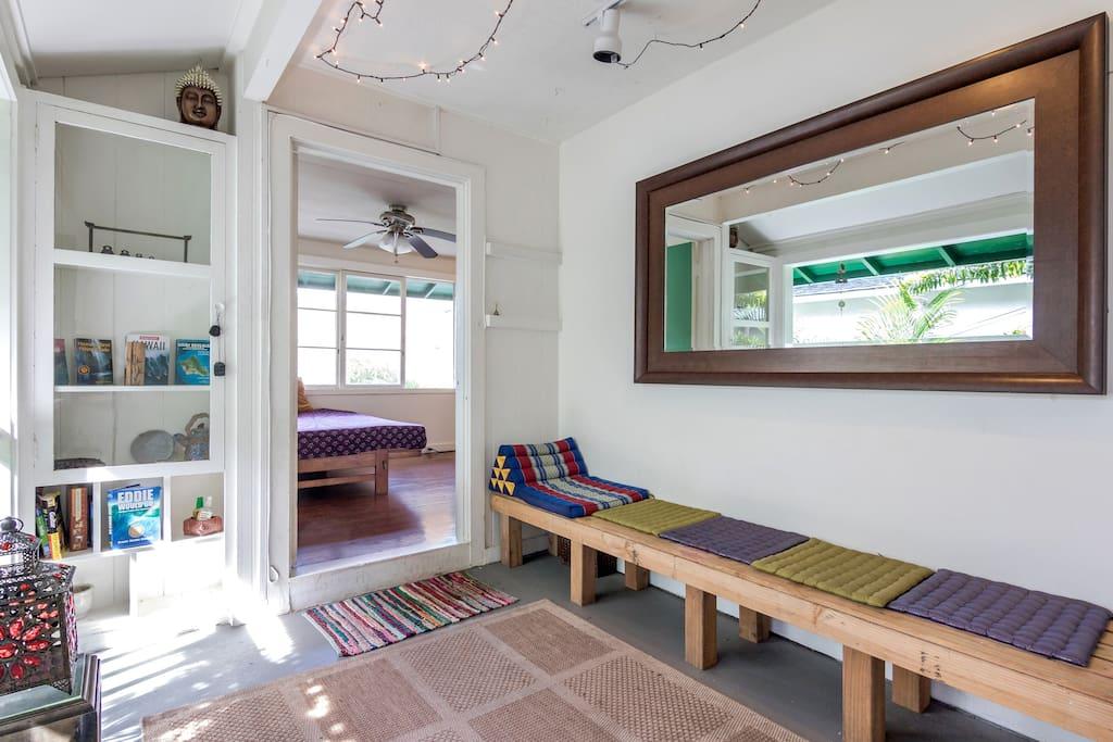 Tree house suite large two bedroom houses for rent in - 2 bedroom suites honolulu hawaii ...