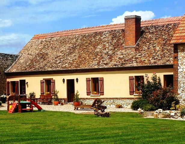 LES CHAUMES - Gauciel - House