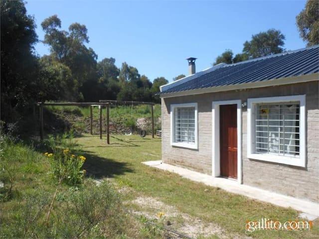 Casa a 4 cuadras de playa brava de Punta Colorada - Punta Colorada - House