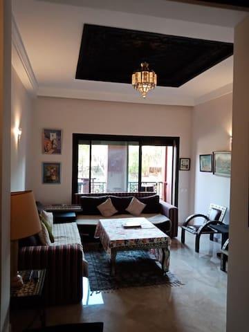 Appartement Luxueux à 8 min Palmeraie