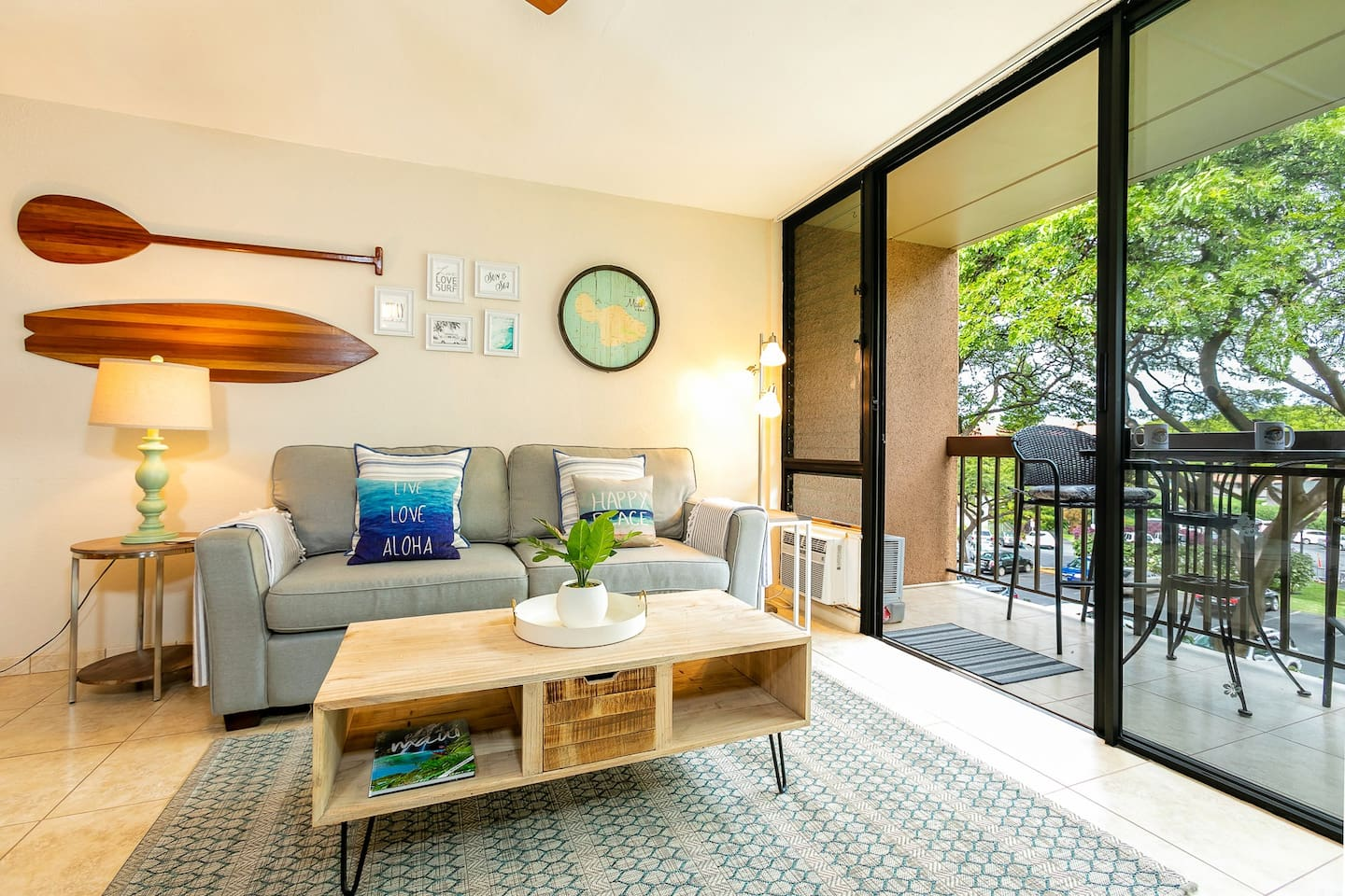 Maui Vista 2318-So much natural light compliments the beachy furnishings