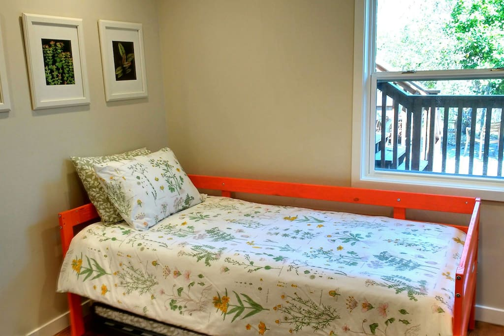 Queen Anne 2 Bedroom Garden Suite Guest Suites For Rent