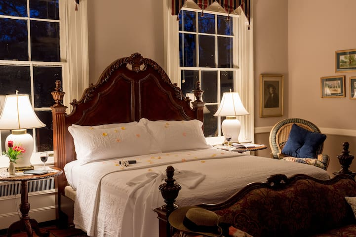 Top 20 US B&B - Bloomsbury Inn - General Chesnut Room