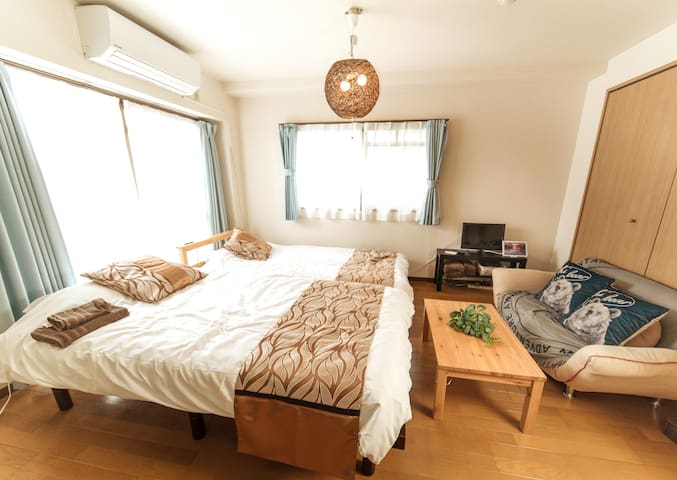 To Umeda&Namba 0 transfer! One room+free wifi B-5