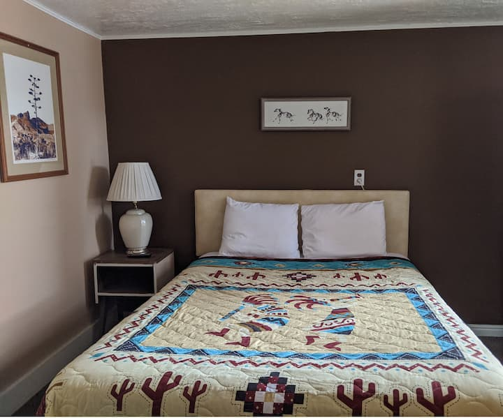 Southwest Charm and comfort Motel Room #18