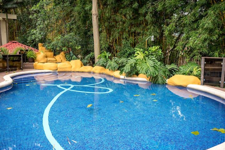 Best Condo! - 3 Bed/3 Bath Large Condo in Escazu!