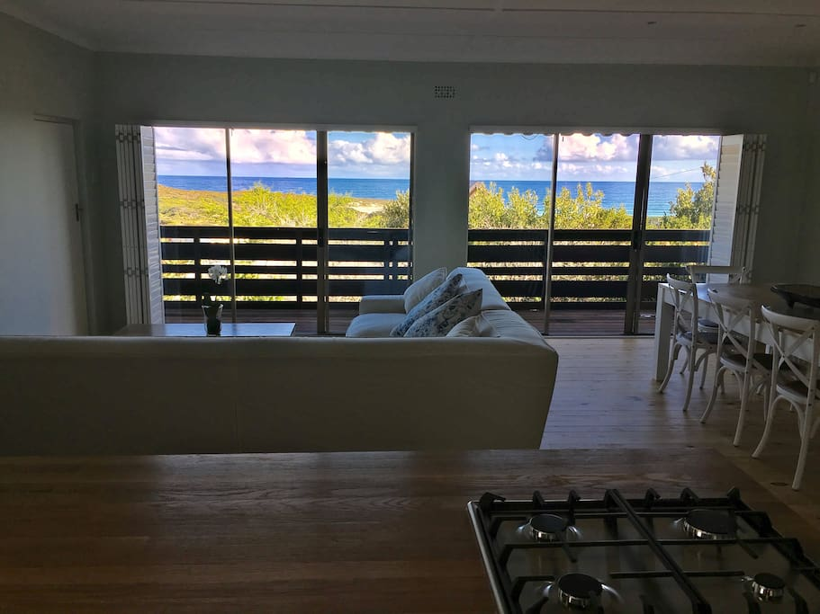 Beach house with great views houses for rent in for Perfect kitchen scarborough