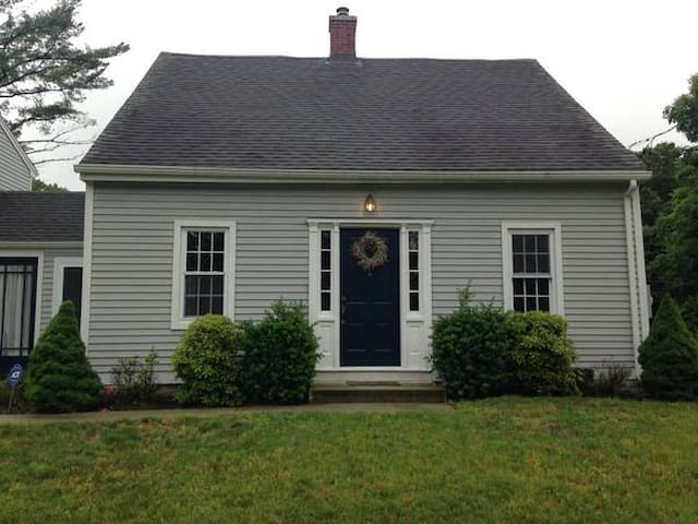 cozy historic home - Naugatuck - House