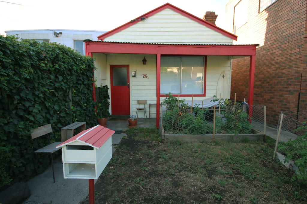 Spacious converted garden shed great location in for Garden shed victoria