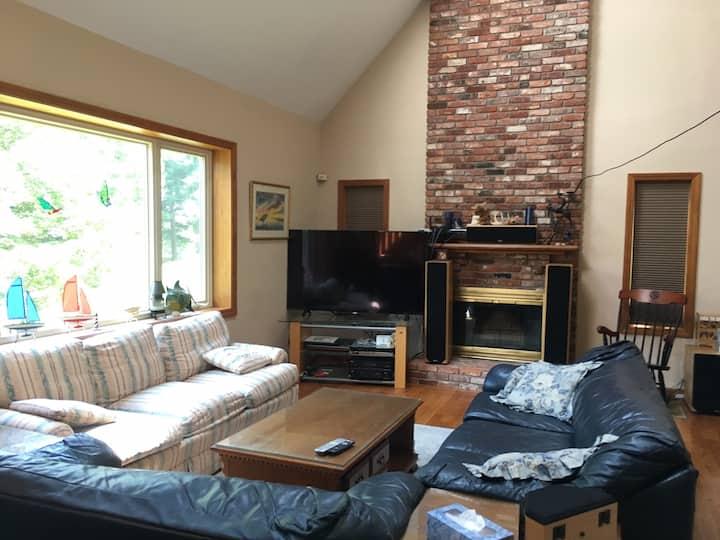 Cozy Private Room between Worcester & Framingham