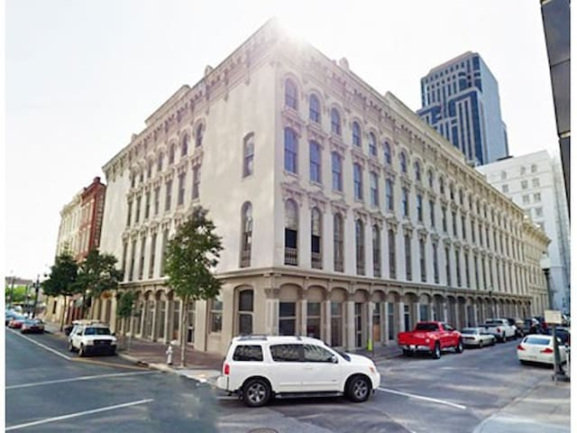 Remodeled Carondelet Street Apartment by Stay Alfred - New Orleans - Lakás