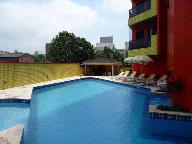 Alugo apartamento enseada Guaruja