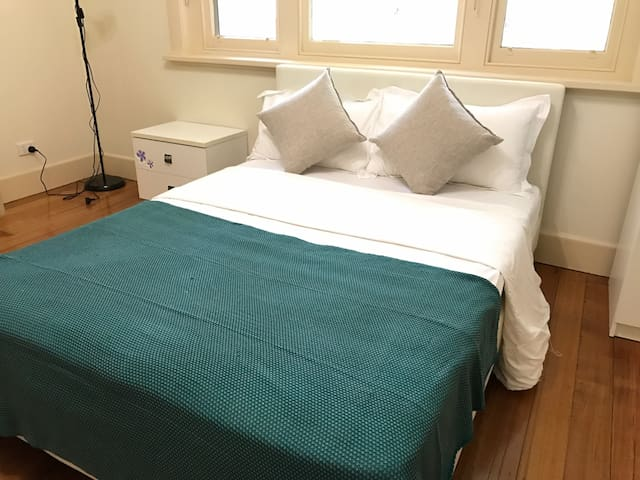 Cozy Morden Room In Balwyn Z2 - Balwyn - Apartment