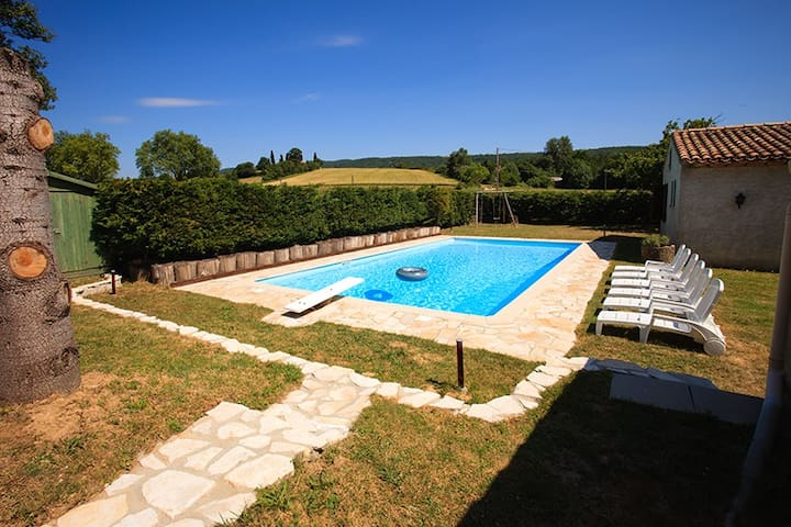 Le Moulin - LARGE LUXURY HOLIDAY VILLA + POOL