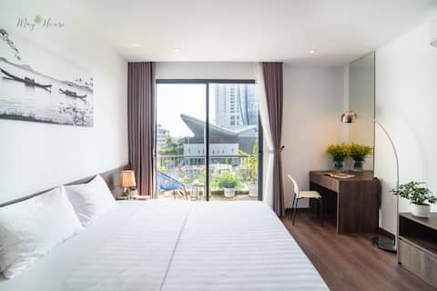 May House Delux Park View Room near Han River F202