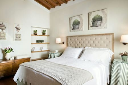 Charme apt for 4 in the coutryside - San Donato In Collina