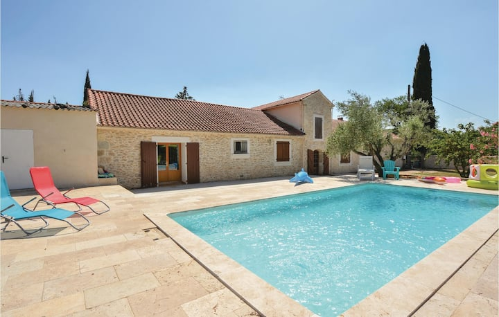 Amazing home in Calvisson with WiFi, Outdoor swimming pool and 1 Bedrooms