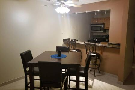 Twin cities comfortable condo, MONTHLY DISC