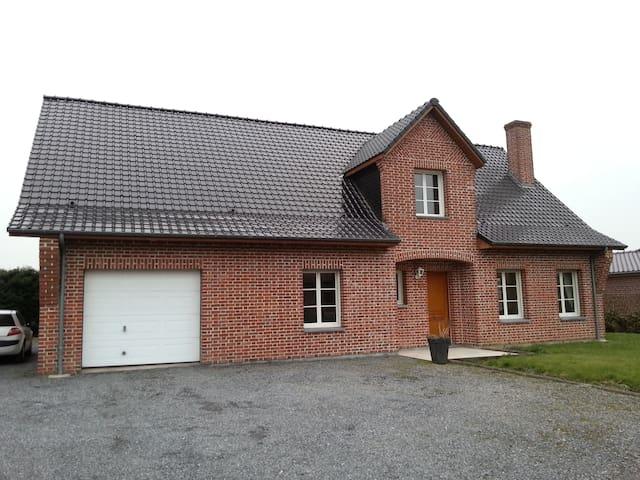 maison 4 chambres en campagne 25 mn de lille.