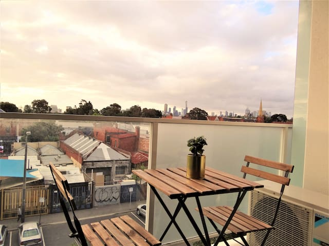 Amazing Accommodations: City View - South Yarra - Apartment